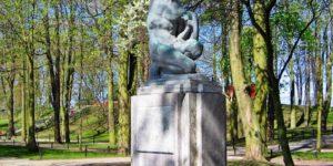 pomnik umierajacego wojownika